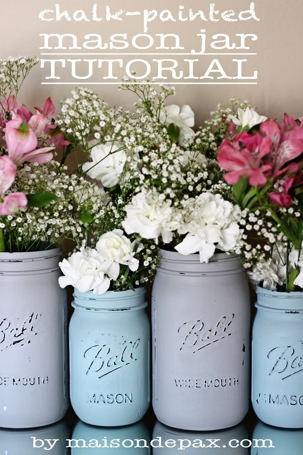 Whip out the chalk paint for a vintage mason jar centerpiece tutorial! | Floral Centerpiece | DIY Home Decor.
