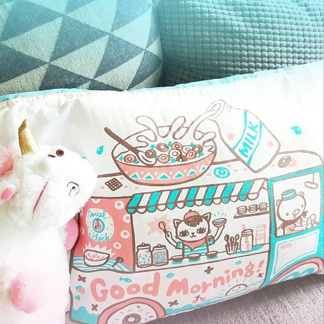 Here's another example of the Lucky Dip Club x ToDryFor tea towel with artwork by Bel's Art World from this months @luckydipclub box turned into a pillowcase. So good! It's so much fun seeing how crafty/creative people use their tea towel on other projects.