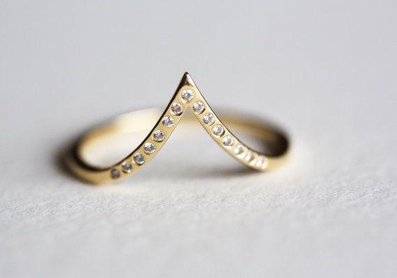 Pave Diamond Ring V Diamond Band dunne Diamond door MinimalVS