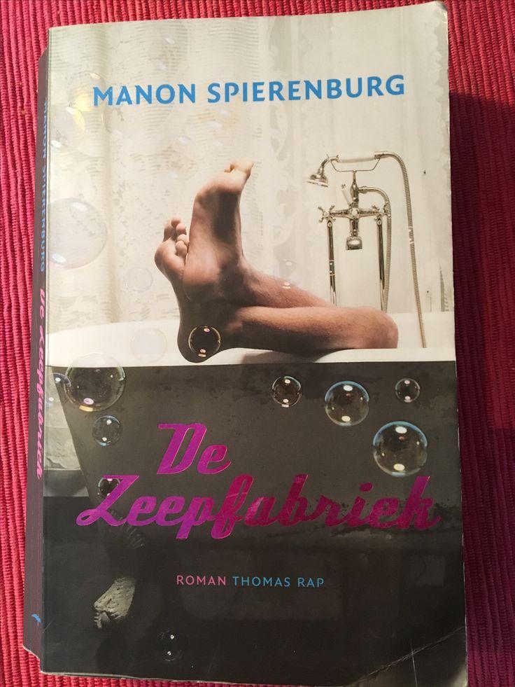 Hooguit vermakelijk deze 41/52 #boekperweek must-not-read. Over de keiharde wereld van de soap industrie. Miss wel leuk voor liefhebbers van ... 🤔