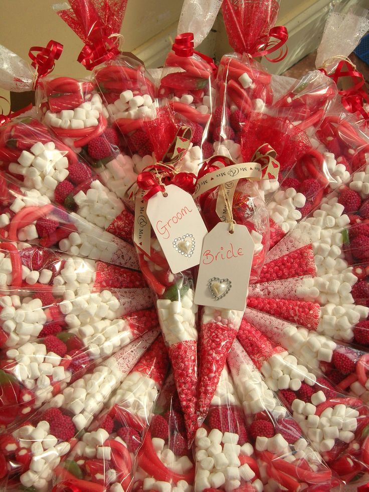 Wedding favour sweet cones in red