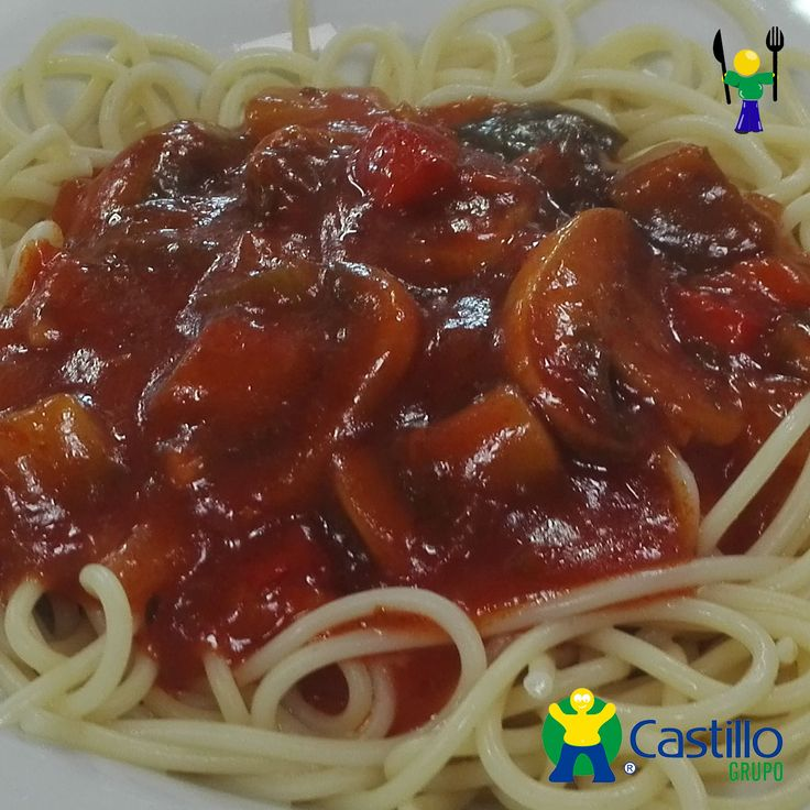 Espaguetis con Salsa Siciliana