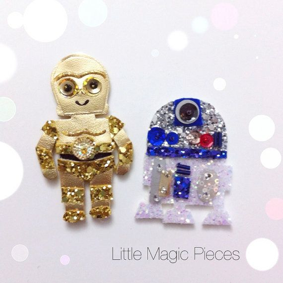 Star Wars Inspired C3PO and R2D2 Hair Clip Set made with love.  ➤ Material: Metallic Gold Leather, 100% wool felt, Glitter fabric, Hand