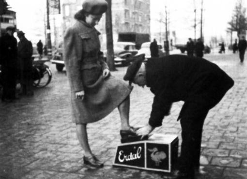 Coolsingel schoenenpoetser 1948