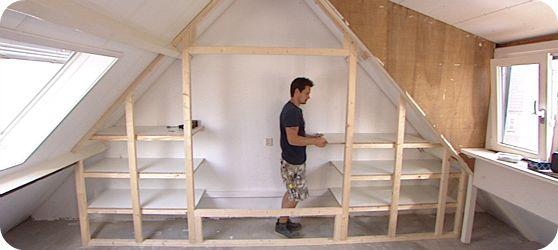 17 beste idee n over kleine slaapkamer op zolder op pinterest slaapkamers op zolder for Maak een kledingkast