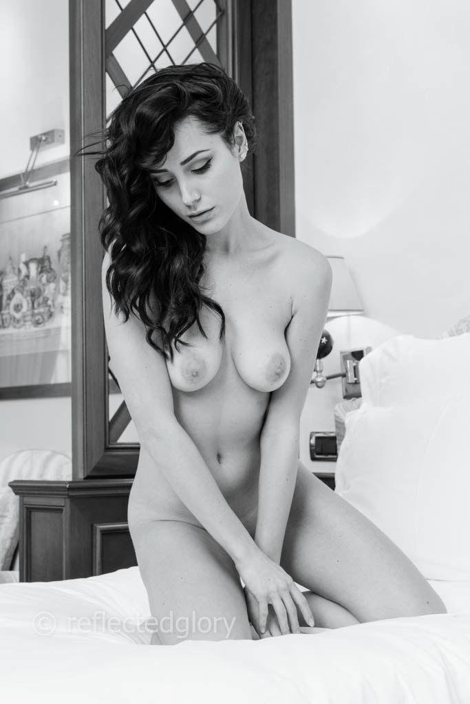 Pics of naked women