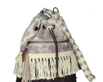 Bohemian buideltasje met franje in bruin en ecru - boho stijl tassen - exclusieve handgemaakte tassen - western tas naturel kleurig, indiaan