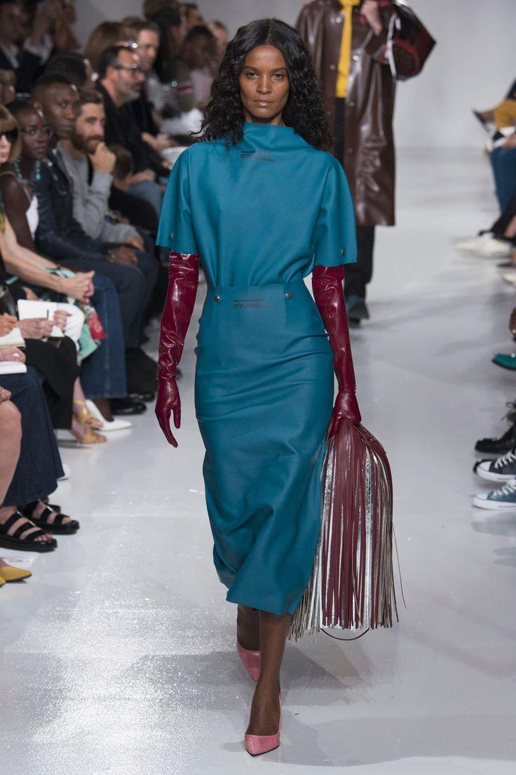 показ Calvin Klein ready-to-wear сезона весна-2018