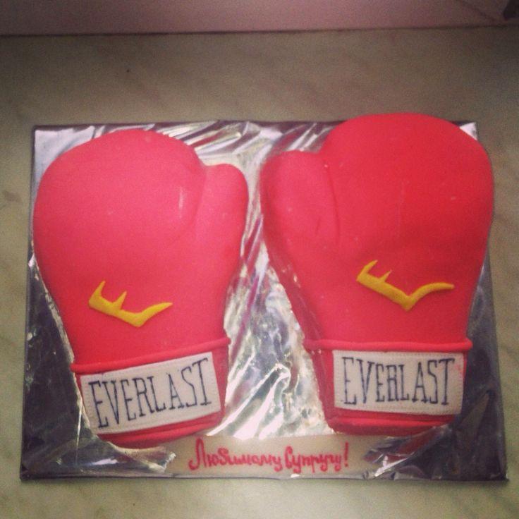 Боксерские перчатки #торт_на_заказ_киев #спортивные #бисквитный_торт #шоколадный_торт #слоеный_торт