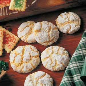 Lemon Snowflake Cookies Recipe...this delicious cookies has become my signature Christmas cookie for cookie exchanges. This easy recipe yields an unexpected surprise for the season.