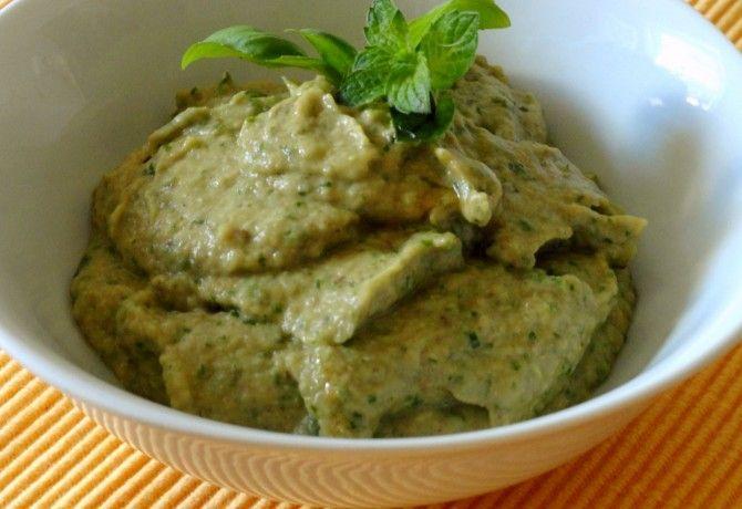 Zöldfűszeres padlizsánkrém recept képpel. Hozzávalók és az elkészítés részletes leírása. A zöldfűszeres padlizsánkrém elkészítési ideje: 45 perc