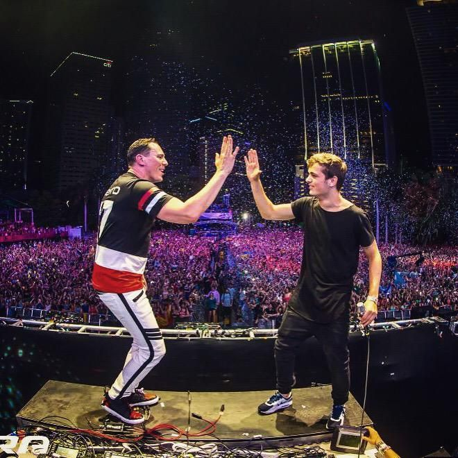:) ((( <3 ))) Tiesto <3 Amazing at Ultra Miami march 28 2015 with Martin Garrix :)
