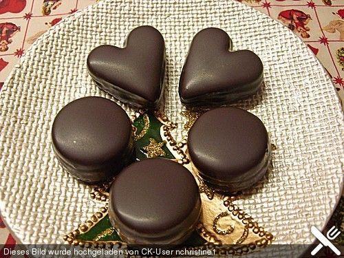 Sacher Herzen, ein schmackhaftes Rezept aus der Kategorie Kekse & Plätzchen. Bewertungen: 95. Durchschnitt: Ø 4,4.
