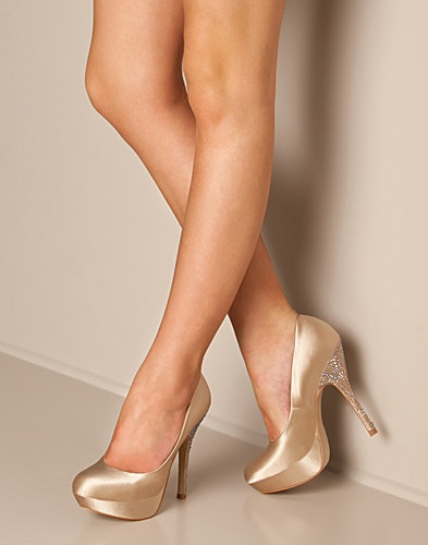 Steve Madden Partyy-R pumps. Dropped 24% on Feb 16.