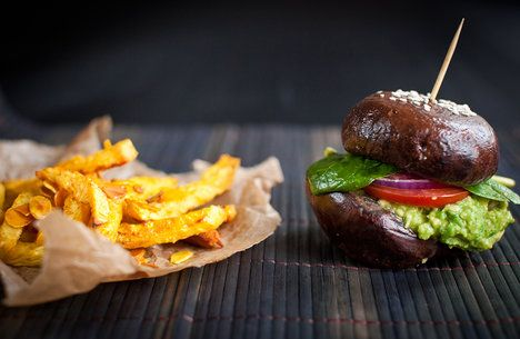 Ani hranolky a burgery si při zdravém stravování nemusíte odpírat, jenom záleží na tom, z čeho je připravíte :-)