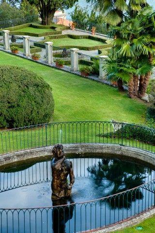 Statuesque Fountain - Villa Passalacqua   Moltrasio #lakecomoville