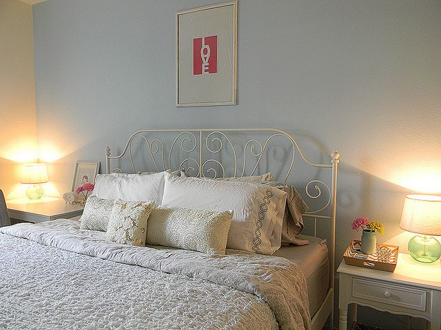 1000 ideas about grown up bedroom on pinterest skylight for Grown up bedroom designs
