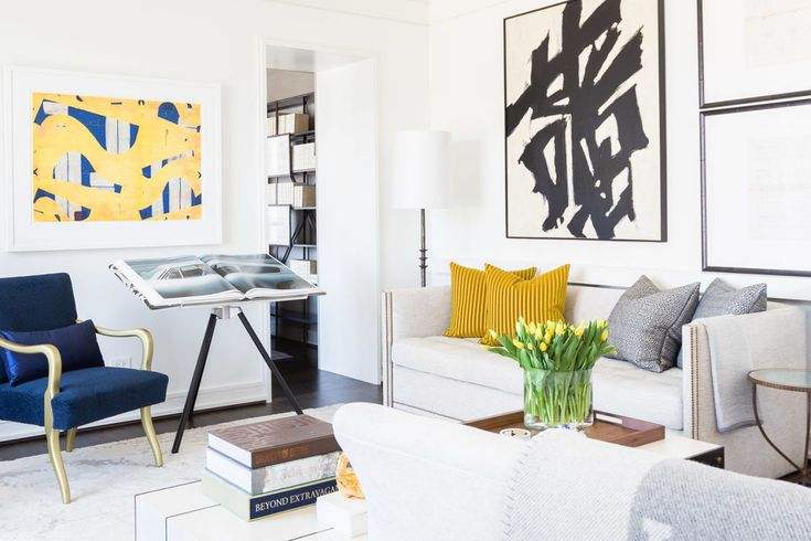 HOUSE TOUR: A Chicago Pied-à-Terre Inspired By The Sunset. Featured is Tufenkian Carpet Meadow Oatmeal.