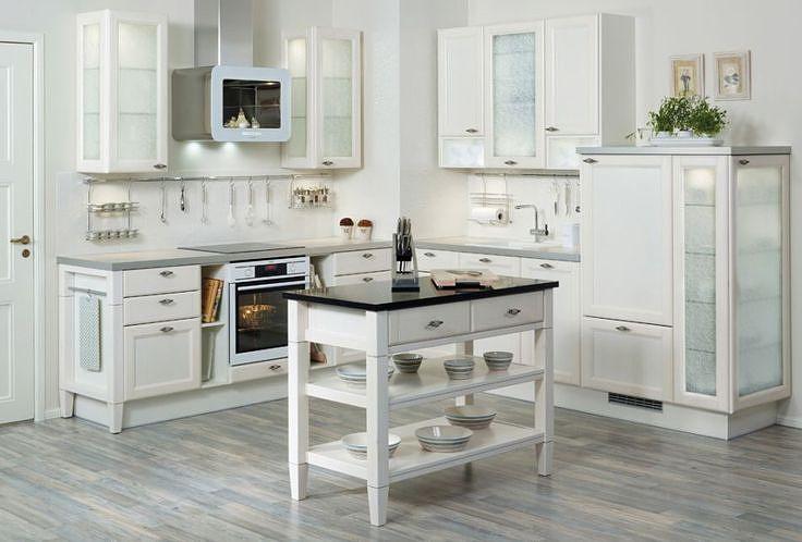 Jokainen keittiö on omanlaisensa ja omistajansa näköinen. Keräsimme inspiroivia Puustelli-keittiöitä antamaan ideoita oman keittiön suunnitteluun ja sisustamiseen.Nämä kuvat linkkeineen ja paljon lisäälöydät Puustellin Pinterest-profiilista!