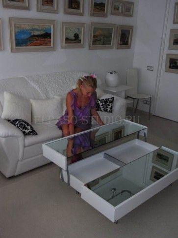"""Реализованный студией """"Эльпасо"""" проект квартиры, владелец которой поставил нам задачу создать интерьер в стиле """"майями"""" (побережье Чё рного моря) - всё белое. Вся мебель и двери подобраны и поставлены в белом цвете: спальня, кухня, мягкая мебель, перегородки и большая столешница. Белый цвет расширил пространство небольшой квартиры и стал благородным фоном для картин в багете. http://elpaso-studio.ru/portfolio/kvartiryi/proekt-kvartiryi-v-stile-mayyami-poberezhe-chyornogo-morya"""