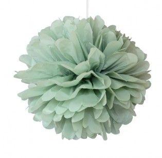 Pom 25cm pastel groen | Tips om ze gemakkelijk zelf te maken: http://www.jouwwoonidee.nl/pompoms-maken/