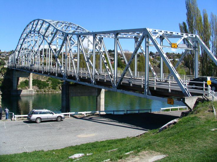 Alexandra, New Zealand   Description State Highway 8 bridge Alexandra, New Zealand.jpg