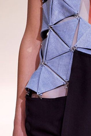 Triangle Tessellation - connecting, geometric structure & pattern; fashion design detail // Yohji Yamamoto