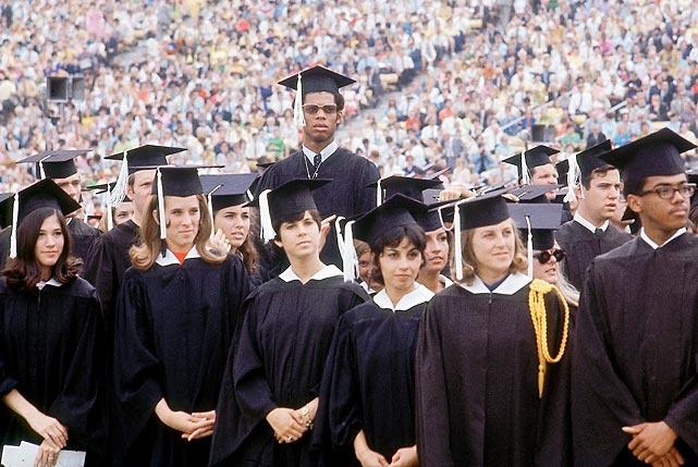 Kareem - standing tall on his graduation dayCollege Graduation, Kareem Graduation, Sports Life, Photos Gallery, Favorite Sports, 1969, Kareem Abdul Jabbar, Colleges Graduation, Graduation Photos
