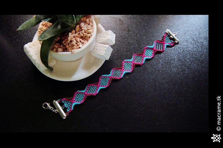 Macrame candies bracelet  Bracciale caramelloso in macrame