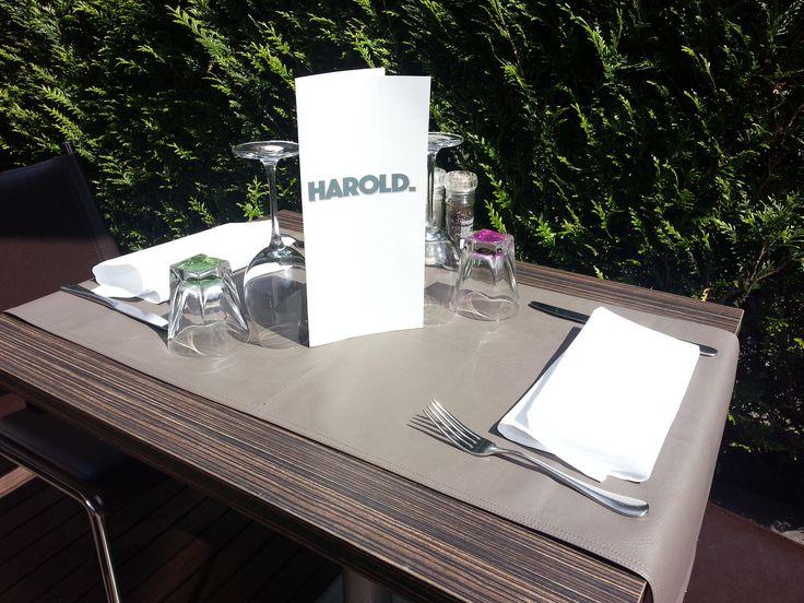 #terrasse @ restaurant #harolduccle , parking gratuit face au restaurant !