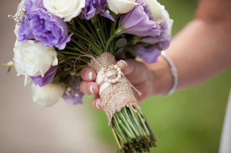 www.redearthflowers.com.au