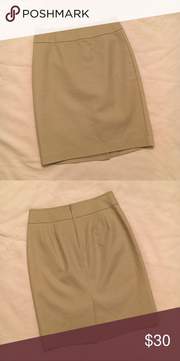 Ann Taylor Khaki Pencil Skirt (size 0) Ann Taylor khaki pencil skirt. Only worn once- in perfect condition! Runs true to size. Ann Taylor Skirts Pencil