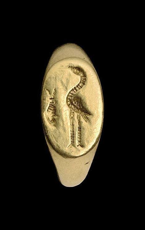 A ROMAN GOLD RING -  CIRCA 2ND-3RD CENTURY A.D.