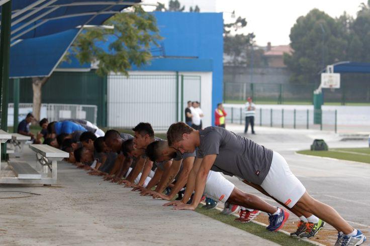 Entrenamiento -pretemporada- Club Tiburones Rojos de Veracruz.
