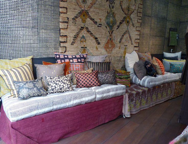 Les 55 meilleures images propos de canap banquette charpo sur pint - Le monde sauvage meubles ...