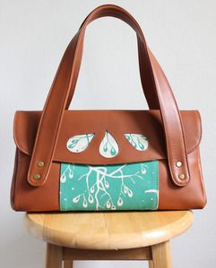 Teal and brown make such a happy, stylish couple on this bag from Emiti.com.au.