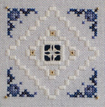 cy4a ~ Hardanger lace and cross stitch