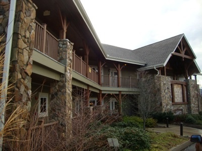 Red Door Homes Knoxville Auction In Pigeon Forge Tn 2012 Offered By Pozy  Auctions