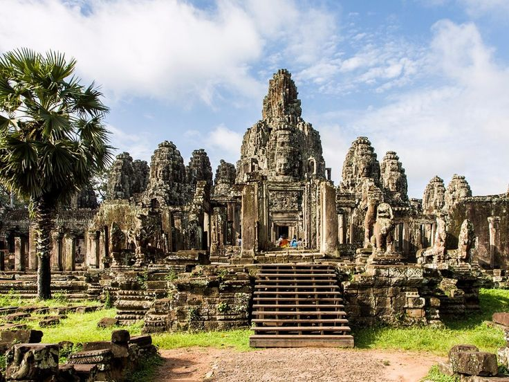 20 popular tourist sites you should see before they disappear:  Cambodia's temples of Angkor Wat