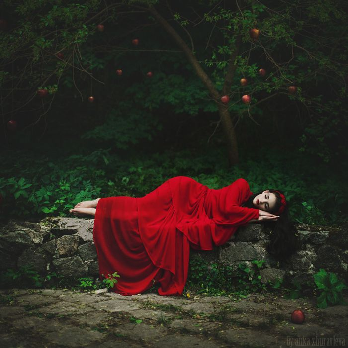 red - Anka Zhuravleva arts
