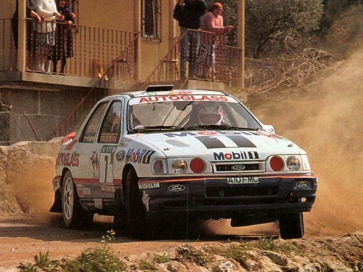 1992 Ford Sierra RS Cosworth 4x4-Miki Biasion-Tiziano Siviero-2eme