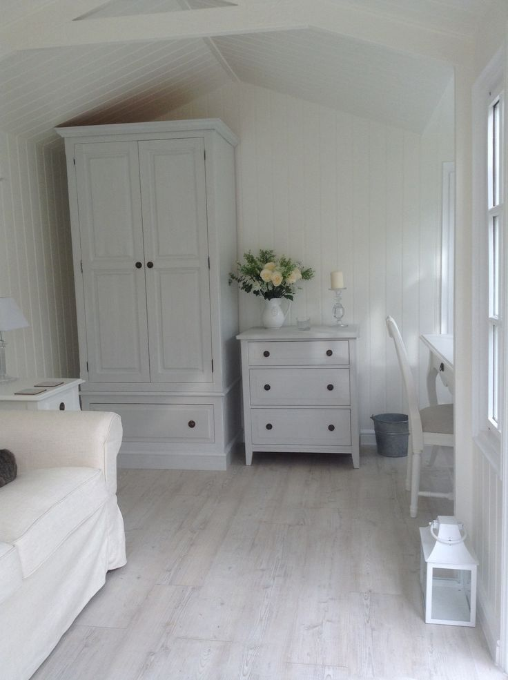 Summerhouse a Gustavian style Interior. Walls & ceiling in Dulux 50/50 Jasmine White and plain white waterbased eggshell