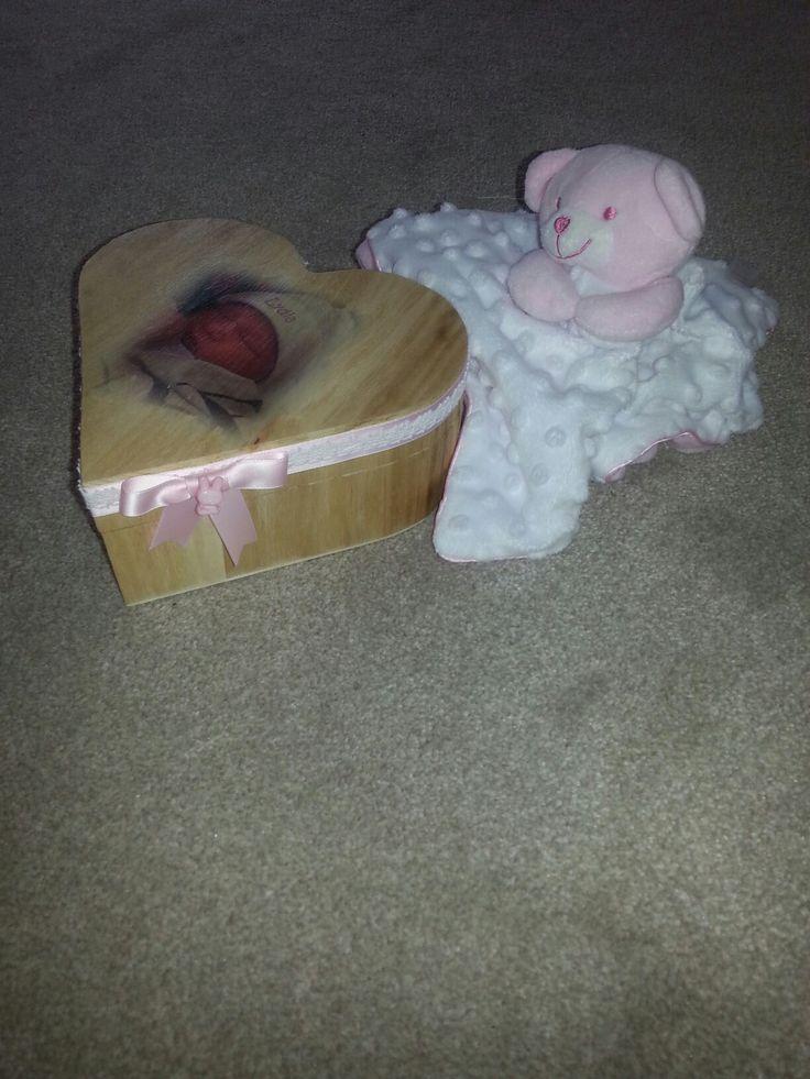 Geboortehart met foto van het kind.