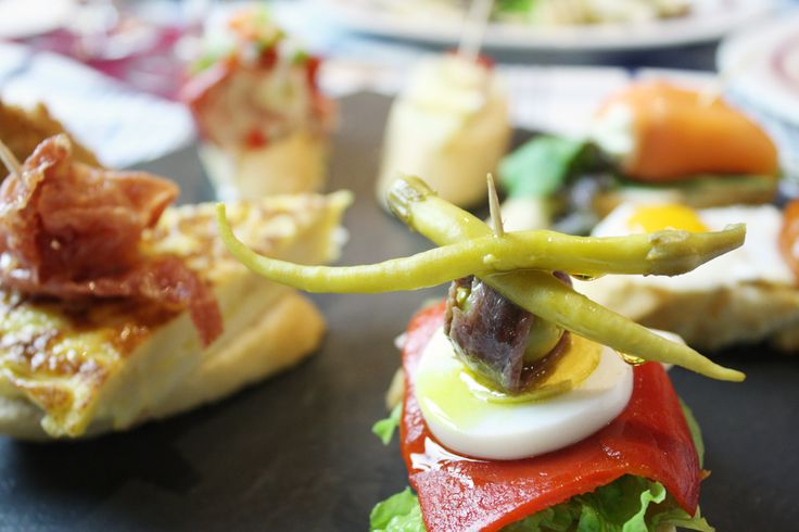 ピンチョスのLizarran(リザラン)がスペインから初上陸。気楽なスペインバルでタパスやピンチョスなどのスペイン料理をつまみにビ