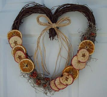 Wreath from dried fruit- includes tutorial on how to dry oranges & apples