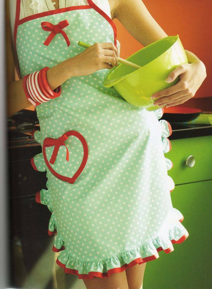 A sweet little baking apron. I wouldn't really wear this to entertain; it's too simple.