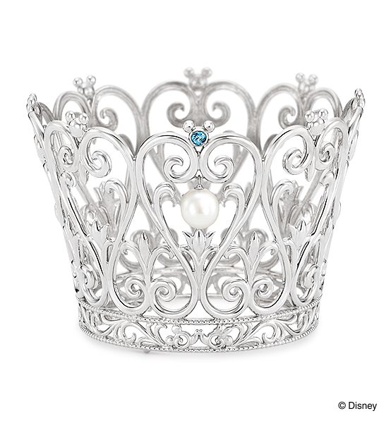 """Tiara [Made to Order]: Mickey Mouse and Minnie Mouse./ 【Tiara-オーダーメイド-】""""ミッキーマウス""""と""""ミニーマウス""""をモチーフにしたティアラ。輝くブルーの石とパールが、上品な印象を与えます。正面には仲良く向かい合うミッキーマウスとミニーマウスのモチーフが隠れていて、大人の遊び心溢れるデザイン。※こちらはお客さまのオーダーメイドジュエリーです。/ K.uno is a jewelry brand in Japan. We create bridal and fashion jewelry and apparels from our original to custom made designs. ◆HP→http://www.k-uno.co.jp/ ◆MAIL→k-uno@k-uno.co.jp"""