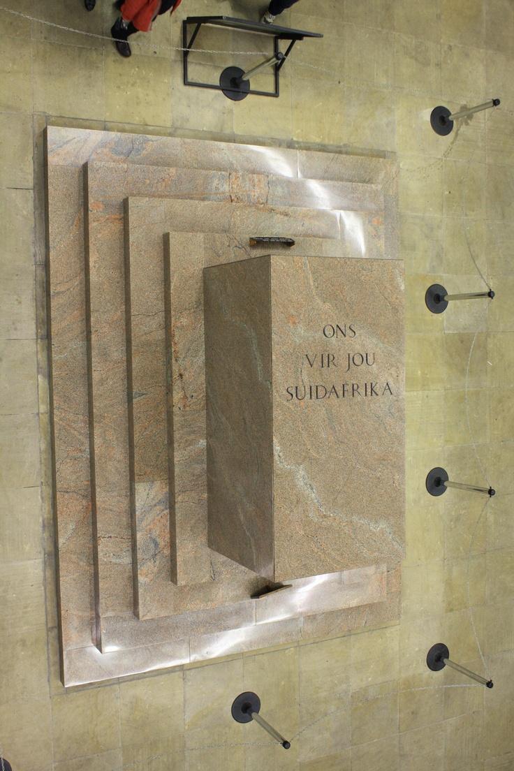 """Só onthou ek Suid-Afrika: Voortrekker Monument. """"Ons vir Jou Suid Afrika"""" (We for thee South Africa)"""