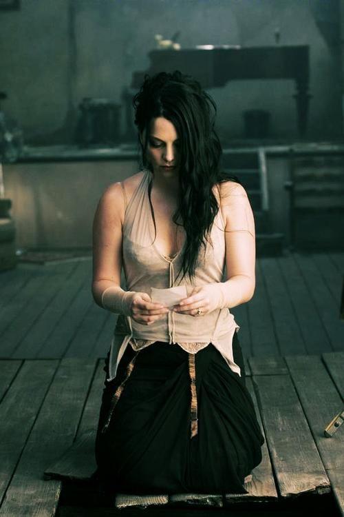 AMY LEE - LOCKDOWN LYRICS - SongLyrics.com