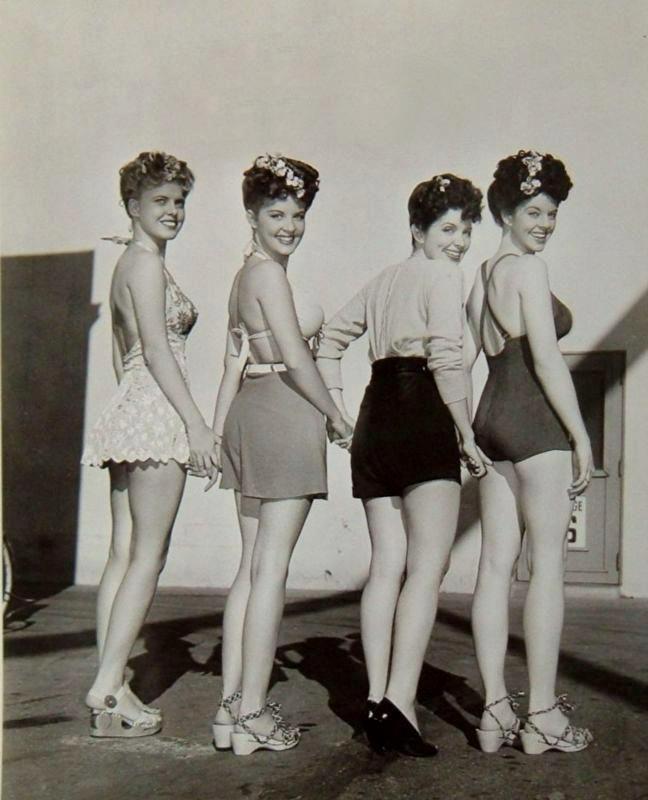 1940s beachwear! #Forties #Vintage. Fashion